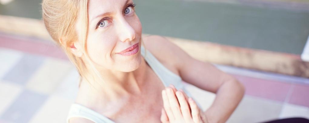 Почему йога для женщин во много раз полезнее фитнеса?